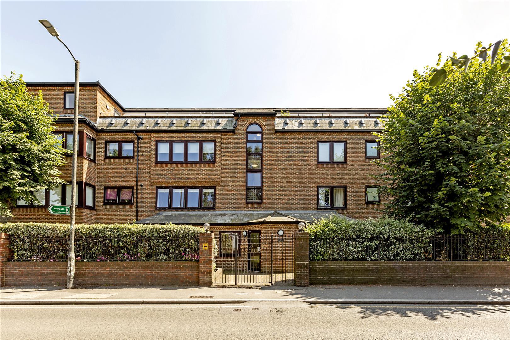Ridgway, London - Andrew Scott Robertson